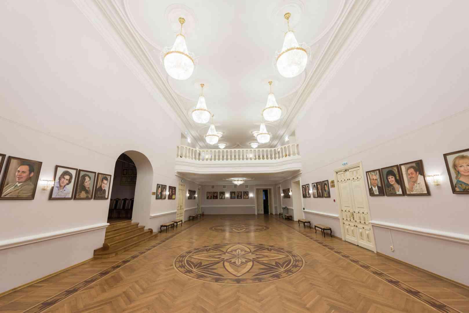 драмтеатр в альметьевске фото зала вот